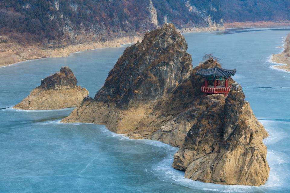 le lac de Chungju Corée du Sud
