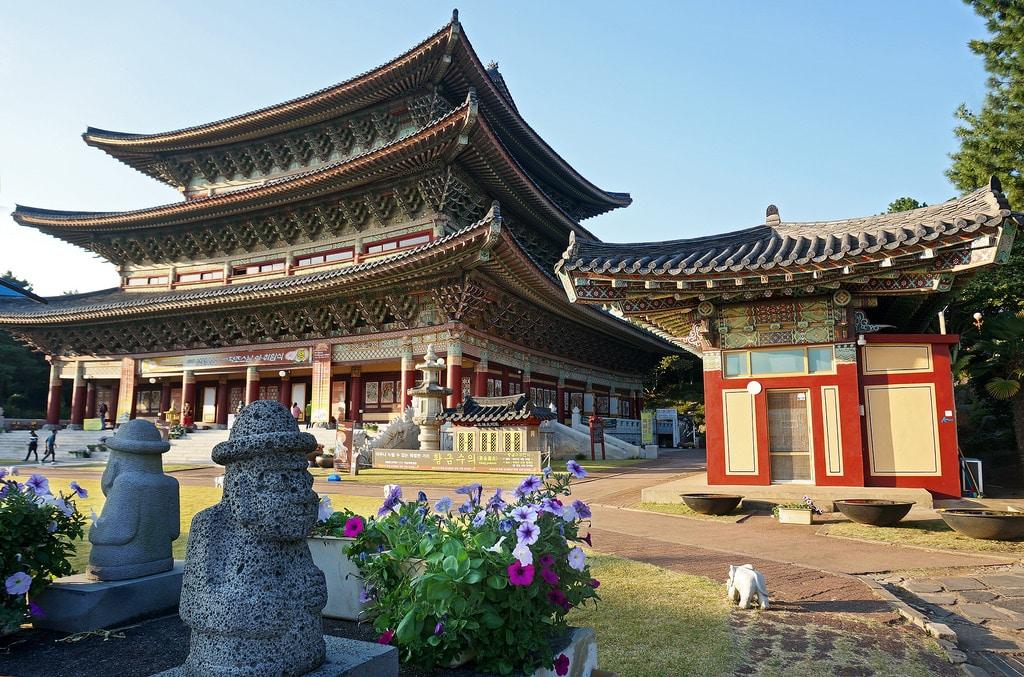 Temple Yackcheonsa jeju Coree du Sud