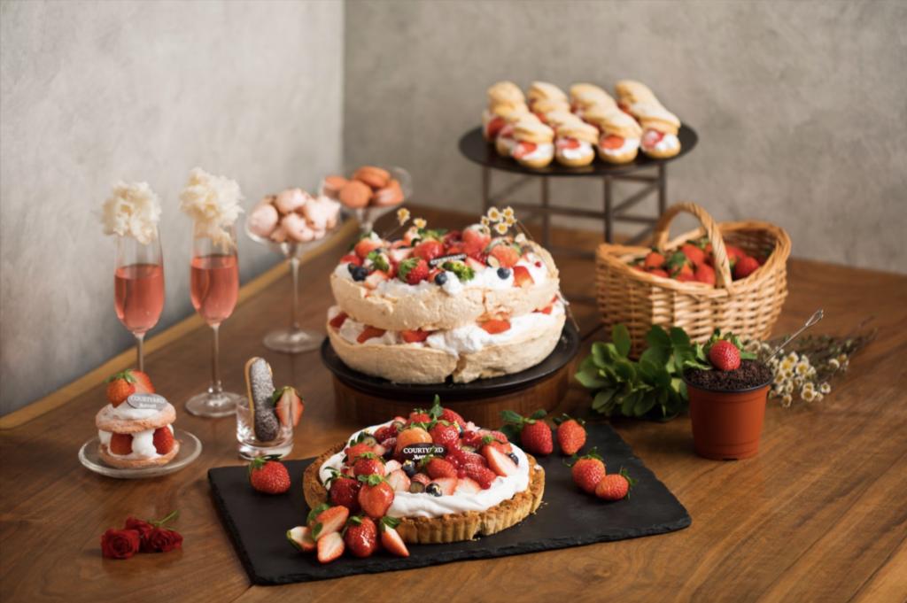 courtyard buffet fraises