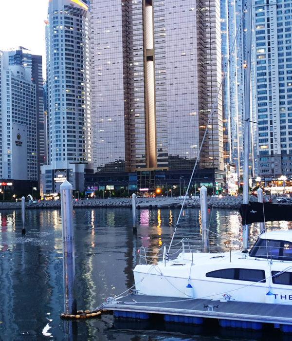 yacht nuit busan