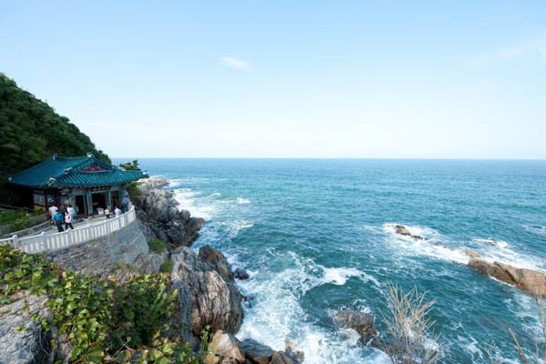 temple corée du sud mer